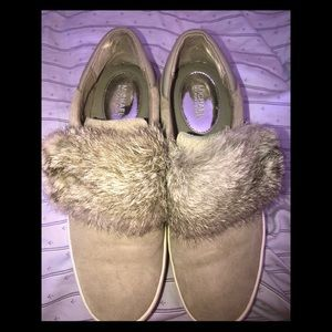 Beautiful shoes with fur.